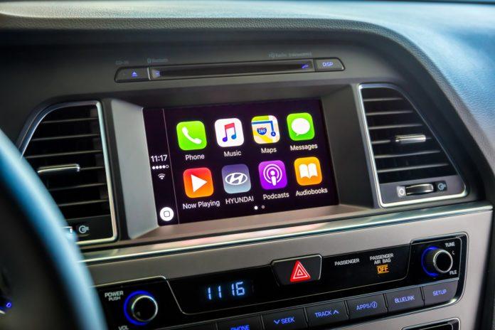 Hyundai Sonata with Apple CarPlay on screen