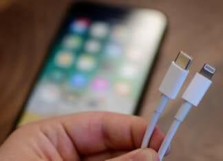 USB-C vs Lightning-Cable Comparison